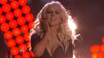 CHRISTINA AGUILERA BOOBs - Voice Finals 2013
