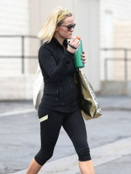 Reese Witherspoon - leaving the gym in Brentwood 12/19/13