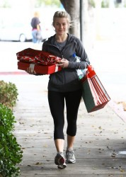 Julianne Hough - Leaving the gym in West Hollywood 12/19/13