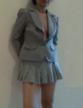 Sekretaris Nakal Buka Pakaian