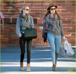Rosie Huntington-Whiteley - out in Hollywood 12/24/13
