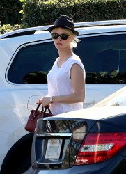January Jones - at Whole Foods in LA 1/15/14