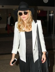 Kate Hudson - LAX Airport 1/17/14