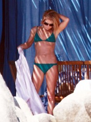 Kelly Ripa - wearing a bikini in Mexico 1/18/14