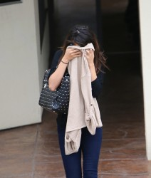 Selena Gomez - Leaving a medical building in LA 1/30/14