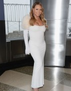 Mariah Carey - Flips the Switch at Empire State Building 13-02-2014