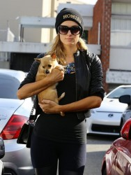 Paris Hilton - Going to a hair salon in Beverly Hills 3/6/14