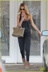 Rosie Huntington-Whiteley - Leaving Ballet Bodies in West Hollywood 3/7/14