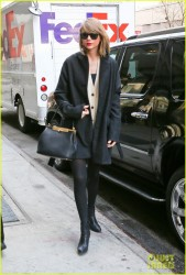 Taylor Swift - Out in NYC 3/24/14