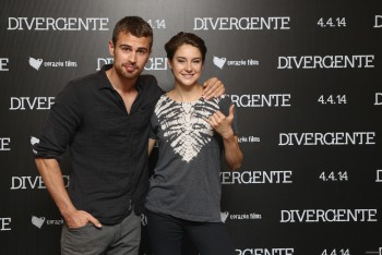 theo james meet and greet