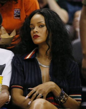 Rihanna - Los Angeles Clippers Basketball Game 04/09/2014
