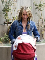 Jennifer Love Hewitt Out in Santa Monica on April 15, 2014