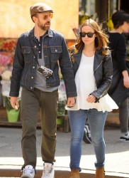 Olivia Wilde Out For A Stroll In New York City April 19, 2014