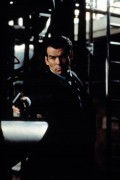 Джеймс Бонд 007: Завтра не умрёт никогда / Tomorrow Never Dies (Пирс Броснан, 1997) 7efa1e324381229
