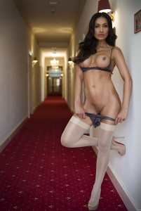 Young nude pictures - nudist