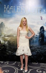 Elle Fanning - 'Maleficent' Photo Call in London 5/9/14