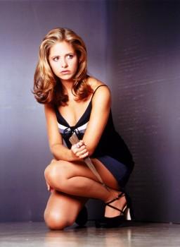 Sarah Michelle Gellar: 'Buffy' Cap - UHQ x 1