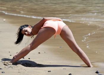 Jasmin Walia Workout on the beach in Tenerife 05/27/2014