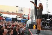 Jana Kramer | Performance @ Rodney Atkins 4th Annual Music CIty gives back in Nashville | June 3 | 20 pics