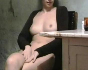 http://thumbnails110.imagebam.com/33242/0166a9332418100.jpg