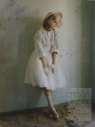 Agyness Deyn photoshoot by Tim Walker for Vogue UK May 2011