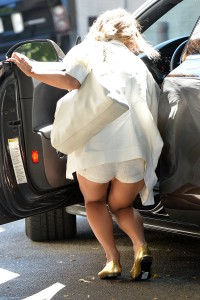 Vanessa Hudgens out and about candids 8