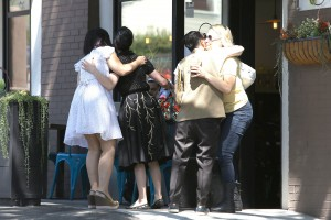 7fbbb7342187658 Dita Von Teese grabs breakfast at Stamp restaurant (July 30, 2014) candids