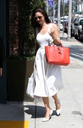 Emmy Rossum all white outfit as she grabs a meal in Beverly Hill 08-08-2014