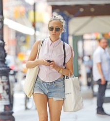 Chloe Sevigny Out and about in New York City 08-21-2014