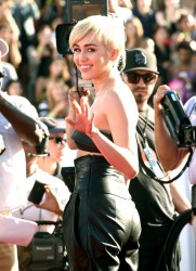 Miley Cyrus - 2014 MTV VMA Awards in LA 8/24/14