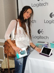 Gabrielle Anwar HBO Luxury Lounge 08-23-2014 (not HQ)