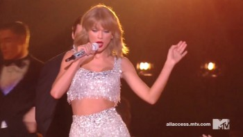 TAYLOR SWIFT - HOT Performance 2014 MTV VMA's
