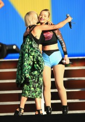 1ca29b348522613 Iggy Azalea and Rita Ora performing (almost kissing) at the 2014 Budweiser Made in America Festival in Los Angeles   August 30, 2014   48 HQ candids
