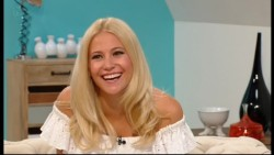 Pixie Lott - Weekend 9th August 2014 576p