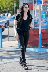 Laura Prepon Out & About In Los Feliz 09-01-2014