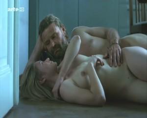 Julia jentsch nackt