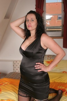 Marietta mature nl