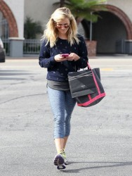Reese Witherspoon - Shopping in Brentwood 10/17/14