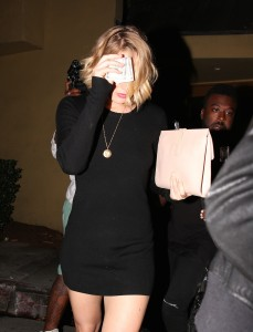 Jennifer Lawrence out and about candids 8