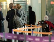 Charlize Theron before embarking on a flight for Los Angeles in Paris' November 10-2014 x18