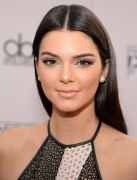 Kendall Jenner attends the 2014 American Music Awards at Nokia Theatre L.A. Live in Los Angeles, California 23.11.2014 (x112) updatet 521045366557894