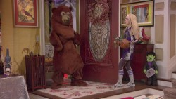 "Dove Cameron in 'Liv and Maddie' s2ep03 ""Helgaween-A-Rooney"" mixed Q"