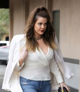Khloe Kardashian - Arriving at Jerry's Famous Deli in Woodland Hills 12/1/14