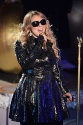 Mariah Carey - Rockefeller Christmas Tree Lighting Ceremony 12/3/14