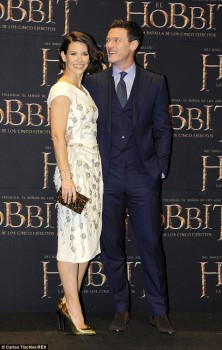 Evangeline Lilly - he Hobbit: The Battle Of The Five Armies premiere in Mexico City - x 4 lq