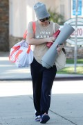 Kaley Cuoco - Seen leaving a yoga class in Los Angeles December 8-2014 x103