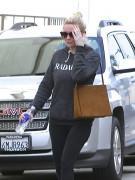 Kirsten Dunst Is seen leaving The Bar Method gym in Studio City December 18-2014 x8