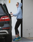 Emily Blunt grabs lunch at Le Conversation after their workout at the gym December 18-2014 x17