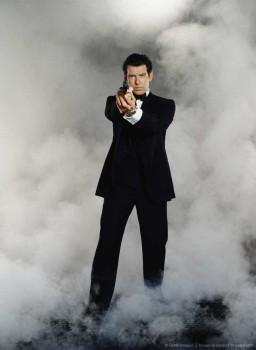 Джеймс Бонд 007: Завтра не умрёт никогда / Tomorrow Never Dies (Пирс Броснан, 1997) 8df74a380525272