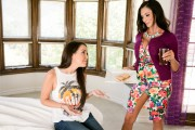 Ariella Ferrera & Dillion Harper - The Break Up x25